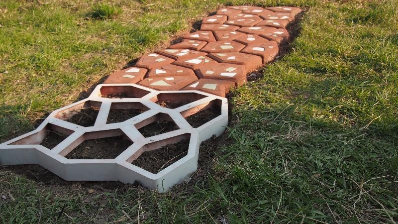 Купить формы для изготовления тротуарной плитки своими