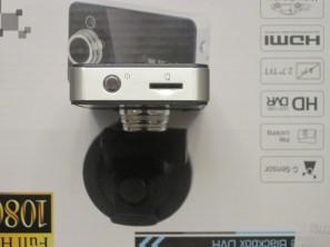 Торец с разъемом под микро SD карточку