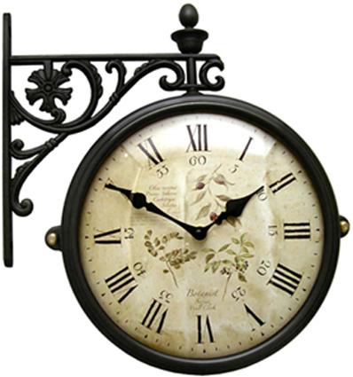 Двусторонние часы на кронштейне