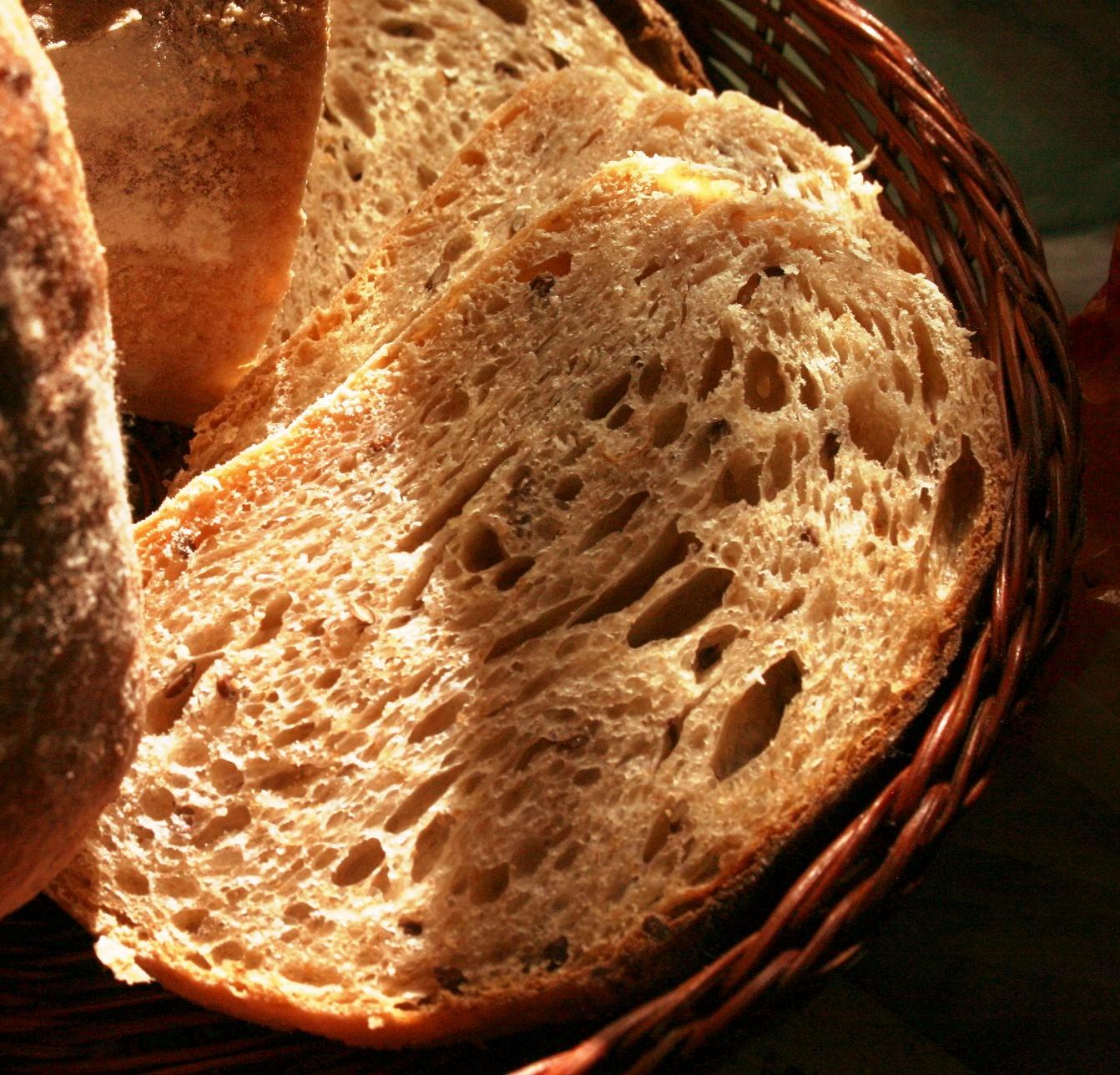 Выпечка хлеба на камне, плите в духовке