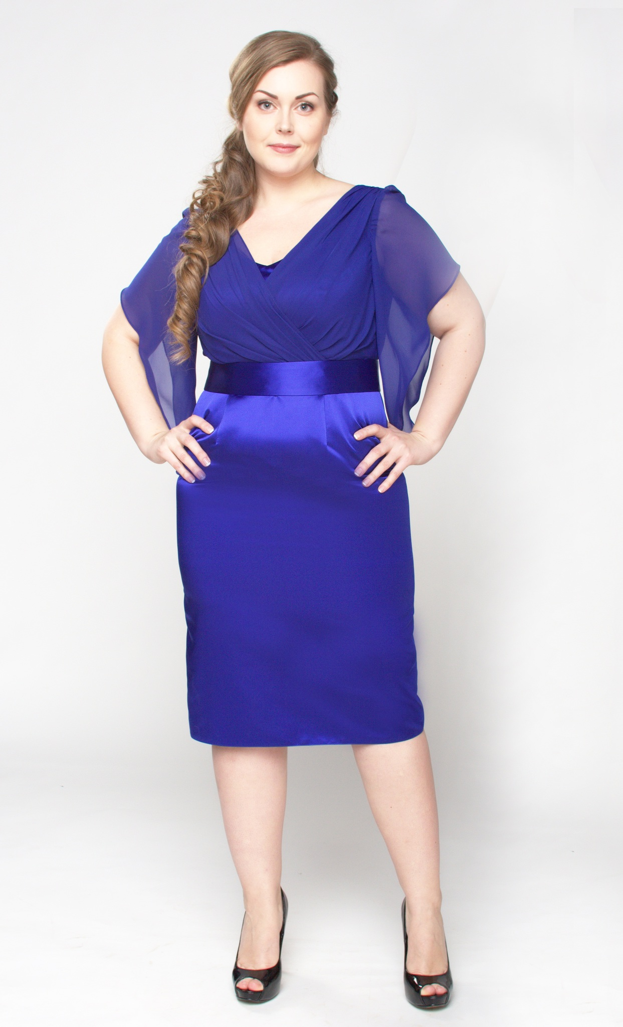 Фото платья из атласа для полных женщин