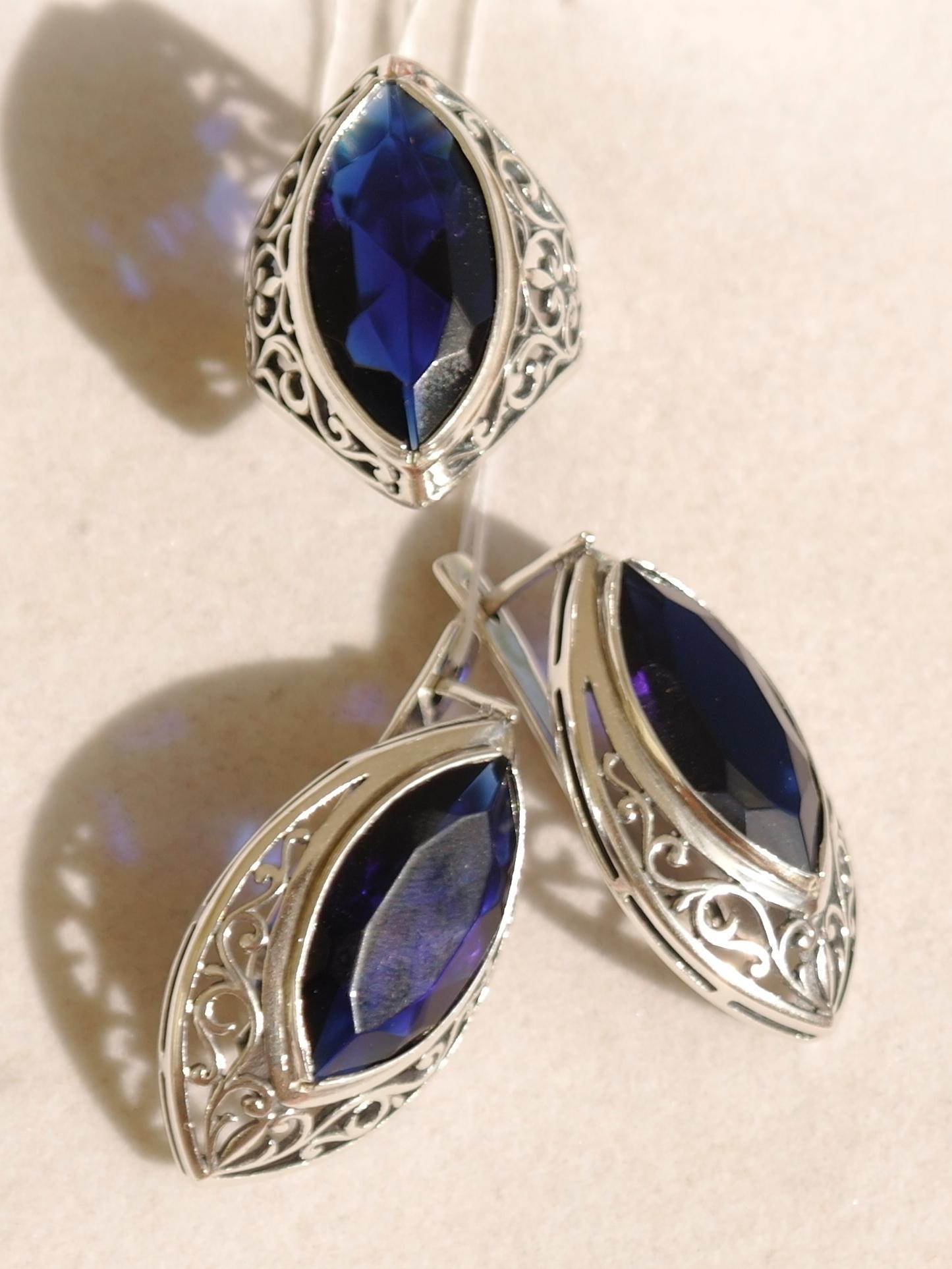 сережки серебряные с камнем фото